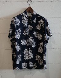 Kiruto pineapple Hawaiian shirt (KARIYUSHI WEAR PINEAPPLE PATTERN) navy